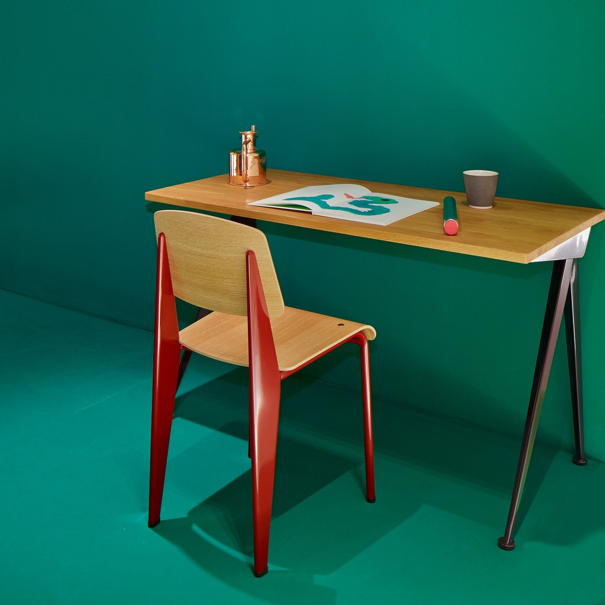 Jean prouve compas direction by vitra hayinstyle - Table basse jean prouve ...