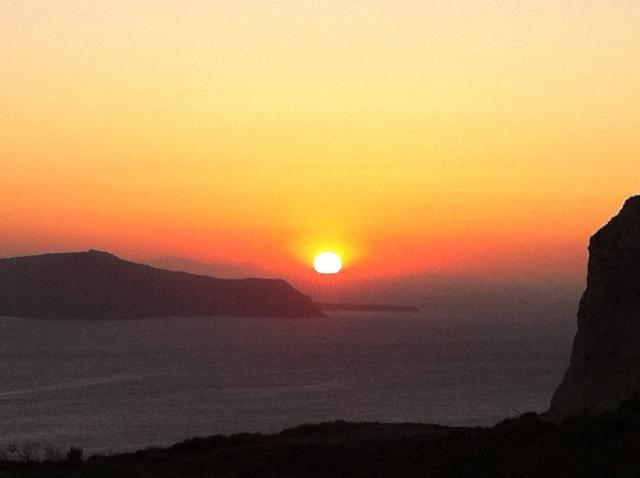hayinstyle-sunset-santorini-greece