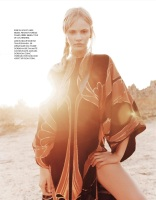 hayinstyle-ginta-lapina-jan-welters-elle-france-17