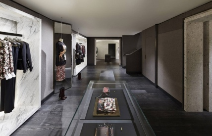 hayinstyle-givenchy-store-36-avenue-montaigne-paris-8