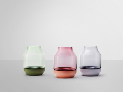 hayinstyle-elevated-vase-thomas-benzen-muuto-3