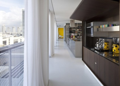 hayinstyle-tel-aviv-penthouse-pitsou-kedem-architects-2014-8