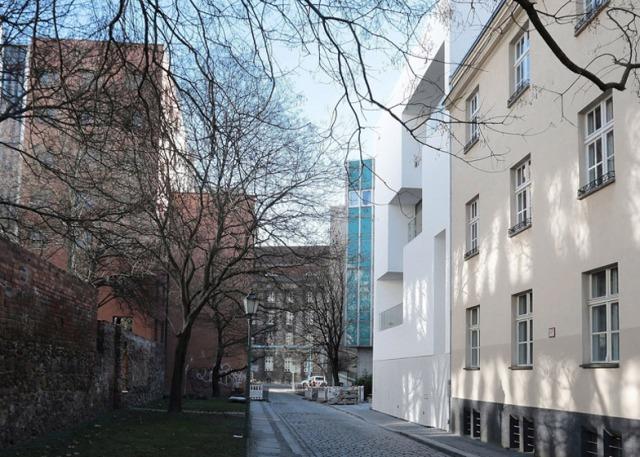 hayinstyle-berlin-apartment-atelier-zafari-1