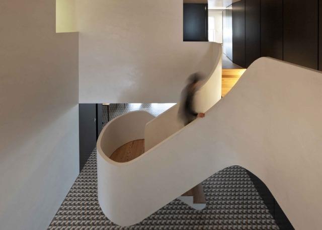 hayinstyle-correia-ragazzi-arquitectos-curving-staircase-3
