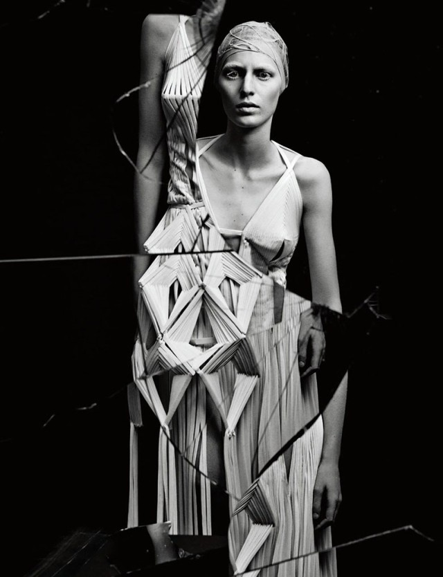 hayinstyle-julia-nobis-craig-mcdean-interview-magazine-2015-5