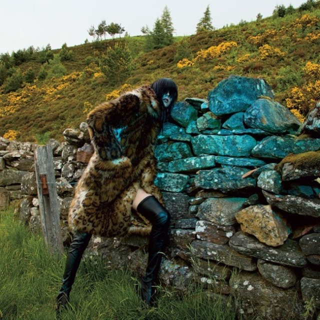 hayinstyle-edie-campbell-inez-and-vinoodh-t-style-magazine-2015-1