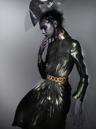hayinstyle-molly-bair-nick-knight-v-magazine-2015-13