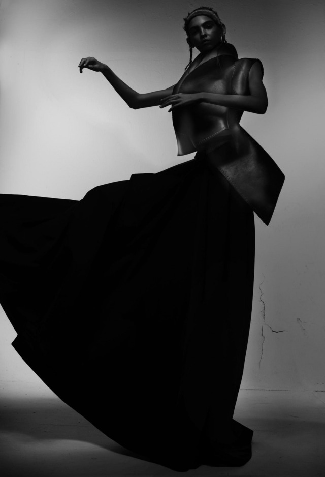 hayinstyle-molly-bair-nick-knight-v-magazine-2015-9