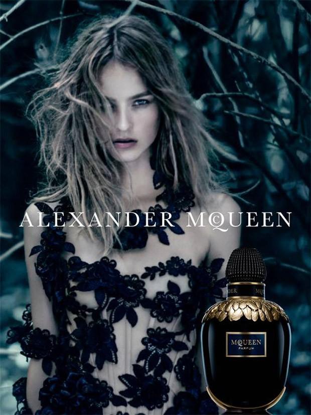 hayinstyle-maartje-verhoef-paolo-roversi-alexander-mcqueen-parfum-2016-1
