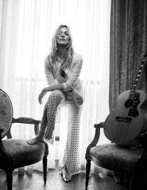 hayinstyle-kate-moss-craig-mcdean-vogue-uk-2016-5