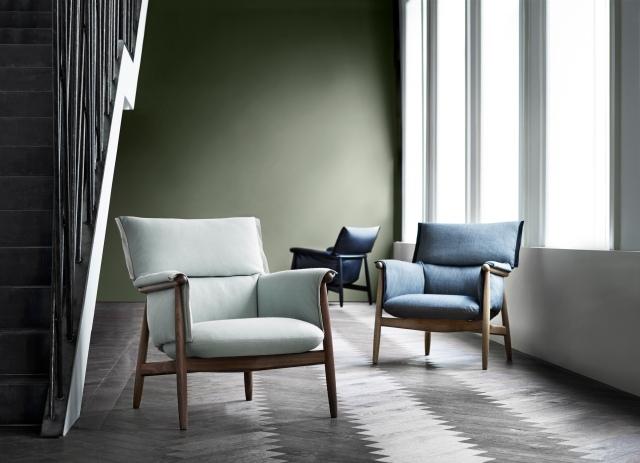 EOOS_E015-lounge-walnut-fabric_E015-lounge-oak-fabric_E015-lounge-black-oak-leather