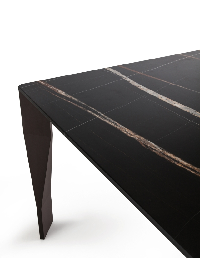 hayinstyle-diamond-table-by-patricia-urquiola-for-molteni-and-c-2016-3