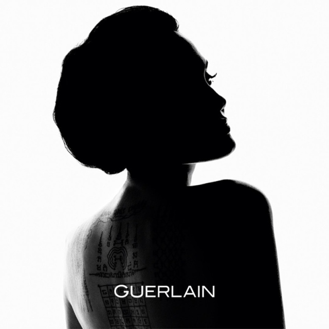 hayinstyle-angelina-jolie-by-tom-munro-mon-guerlain-fragrance-ad-campaign-2017-1