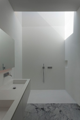 hayinstyle-aluminium-house-by-fran-silvestre-arquitectos-11