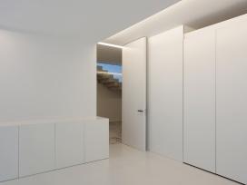 hayinstyle-aluminium-house-by-fran-silvestre-arquitectos-17