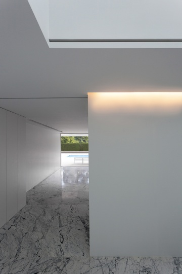 hayinstyle-aluminium-house-by-fran-silvestre-arquitectos-18