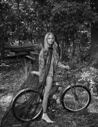 hayinstyle-sasha-pivovarova-by-patrick-demarchelier-for-interview-magazine-october-2017-5