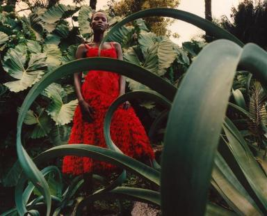 hayinstyle-shanelle-nyasiase-by-jamie-hawkesworth-for-alexander-mcqueen-spring-summer-2018-campaign-3