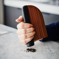 hayinstyle-the-knife-reinvented-by-chifen-cheng-for-maison-milan-2018-3