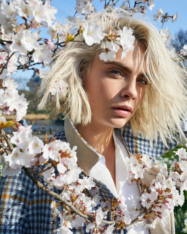 hayinstyle-cara-delevingne-by-juergen-teller-for-burberry-her-blossom-campaign-2019-1